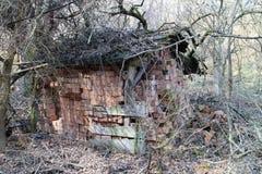 Armazenamento dos tijolos no abrigo na exploração agrícola velha nas montanhas perto de Myjava Foto de Stock Royalty Free