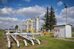 Armazenamento e encanamento de gás Foto de Stock Royalty Free
