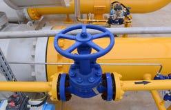 Armazenamento e encanamento de gás em Ihtiman, ot outubro de Bulgária 13, 2015 Fotografia de Stock