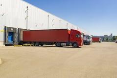 Armazém, caminhão, fundo do transporte Imagens de Stock Royalty Free