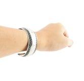 Armbänder an Hand lokalisiert Stockfoto