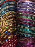 Armbänder sortierte Farben stockbild