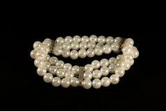 Armband der Perlen lizenzfreie stockbilder