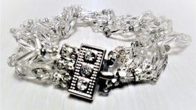 Armband für Silber mit Bergkristallen Lizenzfreie Stockfotos