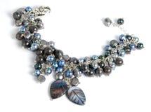 Armband mit Perle Stockbild