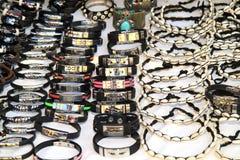 Armbanden en halsbanden Royalty-vrije Stock Afbeeldingen