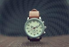 Armbandsur för klassiker för man` s Royaltyfri Fotografi