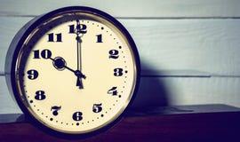 Armbanduhr, Weinlese Retro- zehn O ` Uhr morgens und Abend Stockfoto