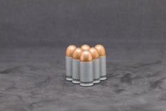 Arme à feu de balle d'isolement sur le fond noir Photos stock