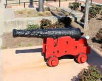 Arme à feu rouge et noire de boulet de canon Image libre de droits