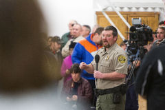 Oregon Armed Militia Standoff - Malheur Wildlife Refuge. Harney County Sherif, David Ward, addresses the community at a packed town hall meeting concerning the Stock Photos