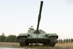 Armeebehälter mit einer Kanone Lizenzfreie Stockfotos