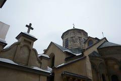 Armeense apostolische kerk buiten met christelijk kruis Royalty-vrije Stock Fotografie