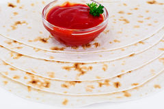 Armenian Lavash mit Tomate Adzhika Lizenzfreies Stockfoto