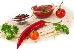 Armenian Lavash mit Tomate Adzhika Stockfotos