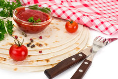 Armenian Lavash mit Tomate Adzhika Stockfoto