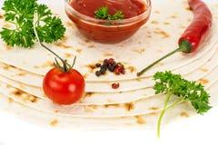 Armenian Lavash mit Tomate Adzhika Stockbild