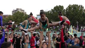 Armenien, Acrobates in Eriwan stockfotografie
