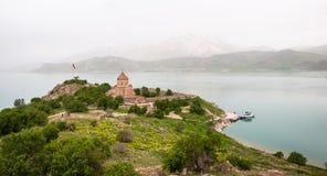 Armenier kyrkliga Achdamar i Anatolien —skåpbil, Turkiet Royaltyfria Bilder