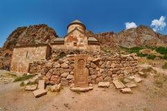 Armeno Khachkars nel monastero di Noravank Immagini Stock