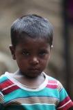 Armer indischer Junge Stockfoto