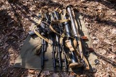 Armes à feu au sol Photo libre de droits