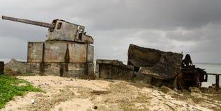 Armes à feu de la deuxième guerre mondiale sur le Kiribati Images libres de droits