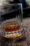 Armes à feu, whiskey et cigare Photographie stock libre de droits