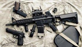 Armes et équipement militaire pour l'armée, arme à feu M4A1 de fusil d'assaut Image stock