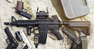 Armes et équipement militaire pour l'armée, arme à feu M4A1 de fusil d'assaut Photo stock