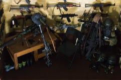 Armes et accessoires en stock de guerre Photographie stock
