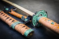 Armes japonaises traditionnelles antiques Épée des samouraïs photo stock