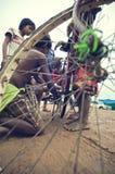 Armes kambodschanisches Kindarbeiten Stockbild