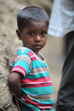 Armes kleines Kind lizenzfreies stockfoto