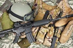Armi moderne ed attrezzature militari Fotografie Stock Libere da Diritti