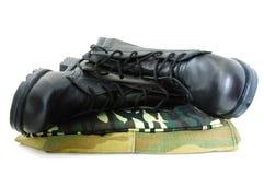 armia dwóch mundur kamuflażu butów. Obraz Stock