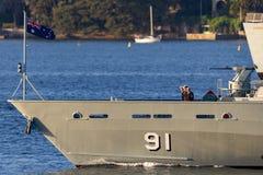 Armidale-klassepatrouillenboot HMAS Bundaberg ACPB 91 der k?niglichen australischen Marine in Sydney Harbor lizenzfreies stockbild