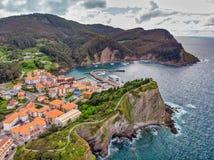 Armintza, aldeia piscatória do país Basque, Espanha foto de stock royalty free
