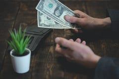 armoede schulden besparingen stock foto's