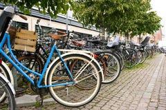 Armoire de vélo de Copenhague Photographie stock libre de droits
