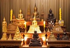 Armoire thaïe de statue de moine Image stock