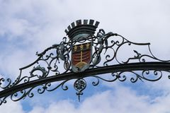 Armoirie de Montauban dans le sud de la france. Crest metal iron fer logo french city town blue sky ciel bleu royalty free stock photos