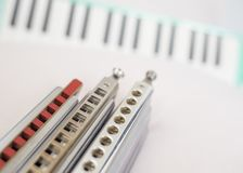 Armoniche e melodion cromatici immagine stock libera da diritti