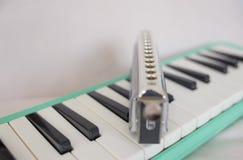 Armoniche e melodion cromatici immagini stock libere da diritti