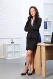 arms den härliga affären vikta plattform kvinnan arkivfoto