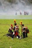 Armésoldater på Borodino slåss historisk reenactment i Ryssland Arkivfoton