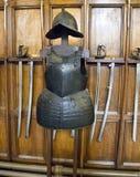 Armure et swards dans le château d'Edimbourg, Images libres de droits