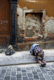 Armut in Prag lizenzfreie stockfotografie
