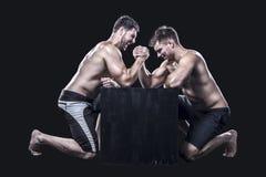 armwrestling两位的运动员 库存图片