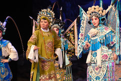 """The army commander in chief- Beijing Opera"""" Women Generals of Yang Family"""". This opera tells a patriotic story how does an old woman of a hundred Stock Photos"""